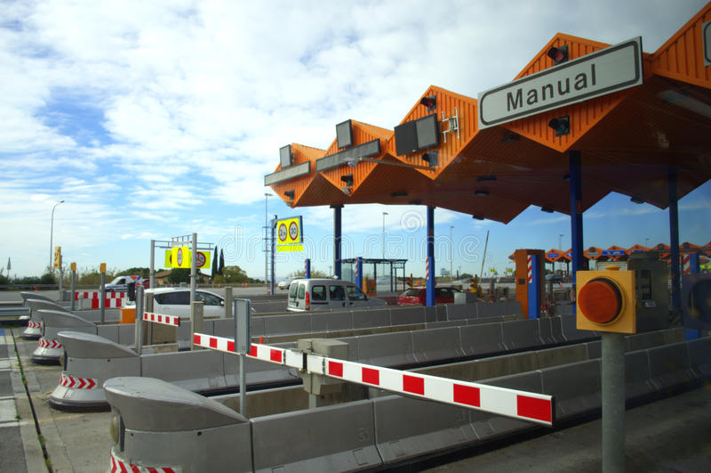 Платные ворота на шоссе стоковые фотографии rf