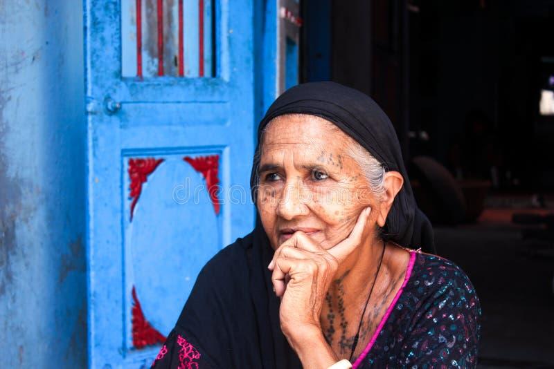 Племенная индийская женщина стоковая фотография rf