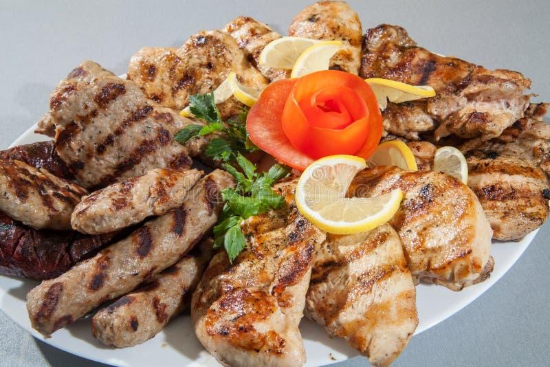 Плита еды различного мяса стоковая фотография