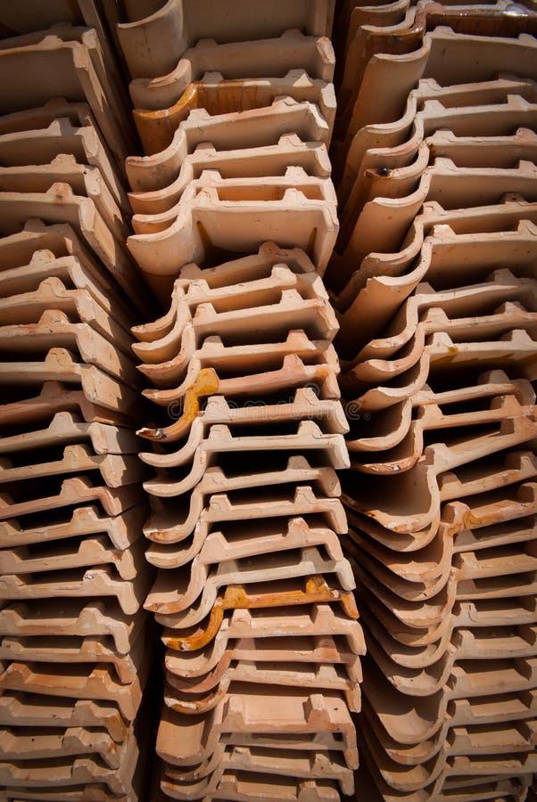 плитка близкого виска стога съемки крыши тайская вверх стоковое фото rf