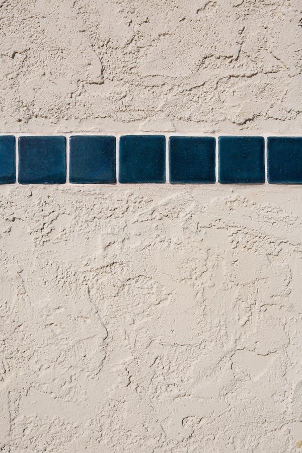 Download Плитки текстурируют на стене цемента Стоковое Изображение - изображение насчитывающей backhoe, самомоднейше: 81801915