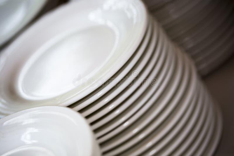 Плиты белизн для приема стоковая фотография