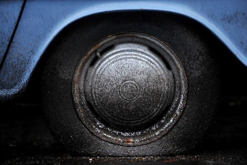 плоская автошина стоковые изображения rf