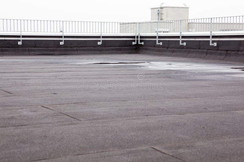 Плоская крыша с толем стоковые изображения