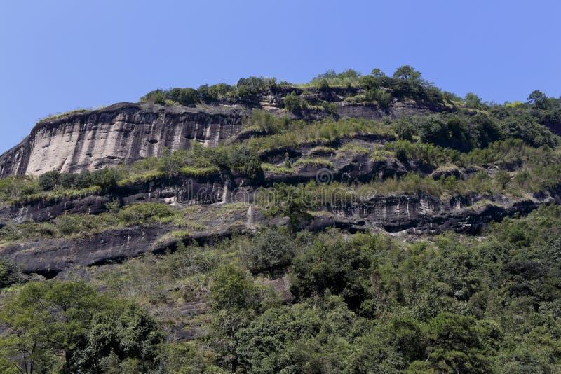 Плоские пики landform danxia, горы wuyi стоковые изображения