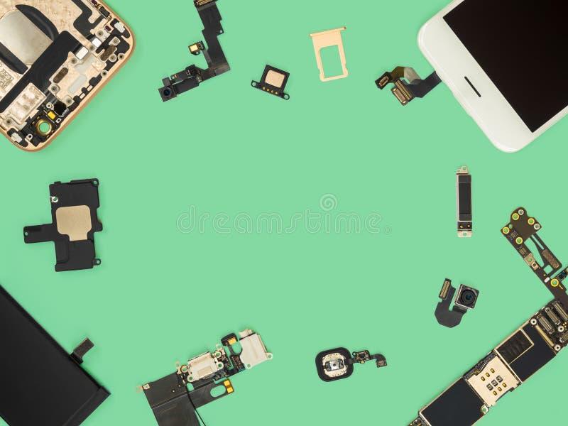Плоское положение умного изолята компонентов телефона стоковые фотографии rf