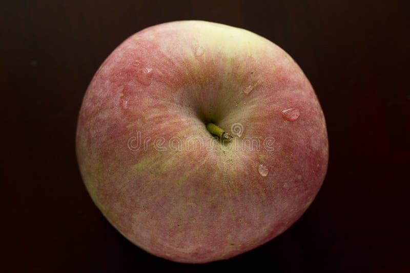Плоть и сочное красное Яблоко стоковое изображение