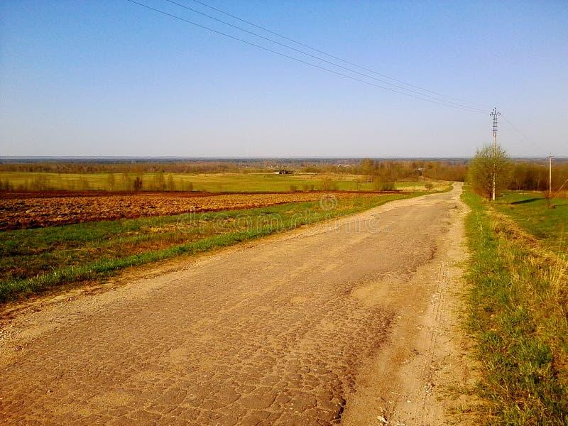 Плохая дорога и ландшафт стоковое фото rf