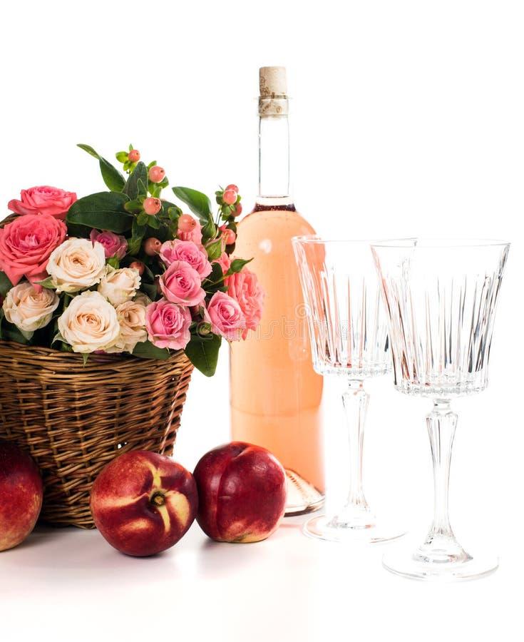 Плодоовощи, вино и цветки стоковые фото
