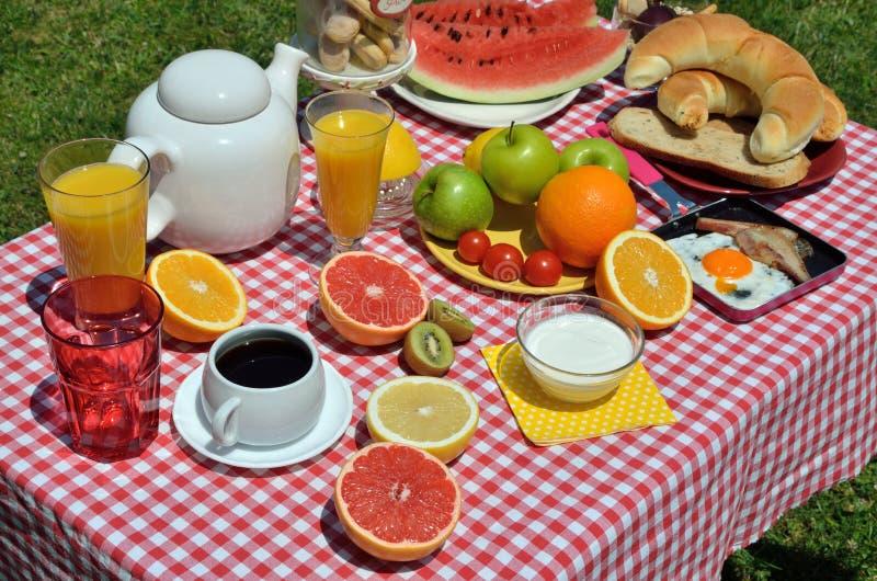 Плодоовощи для завтрака стоковое фото