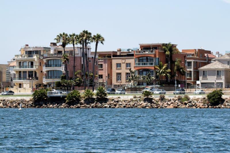 Пляжные домики Калифорнии стоковые изображения