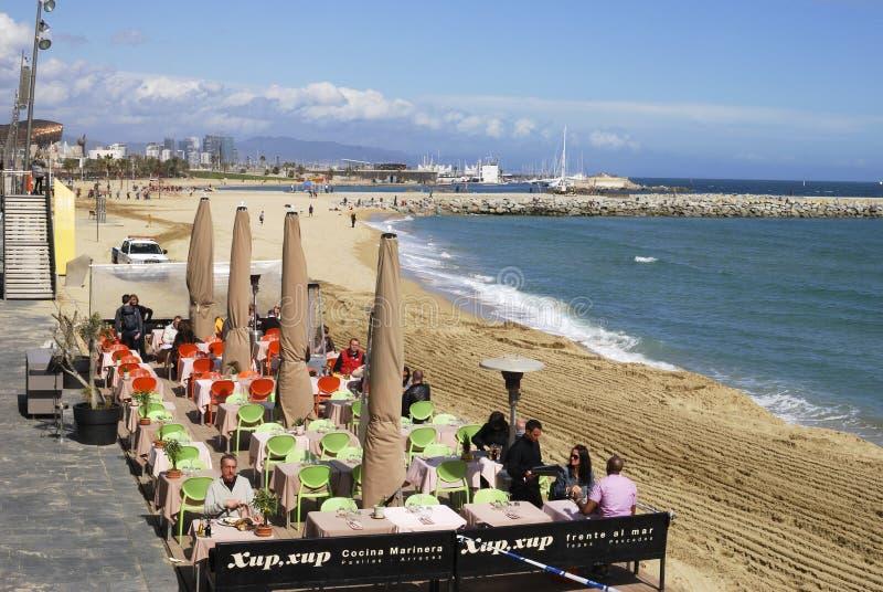 Пляжный ресторан на Барселоне. Испания стоковые фотографии rf