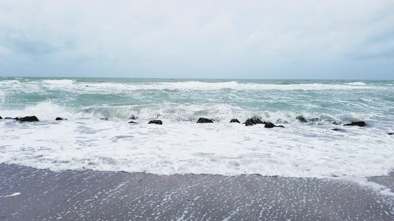 пляж бурный стоковая фотография rf