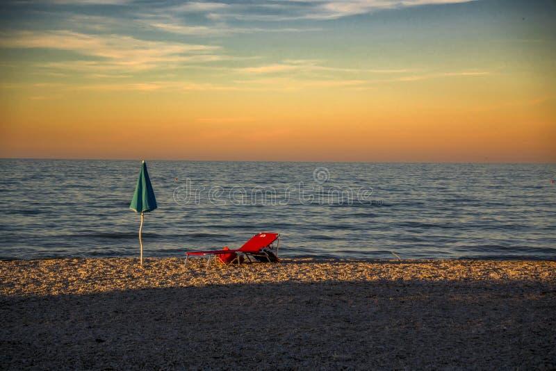 Пляж вечера оборудования лета стоковое изображение rf
