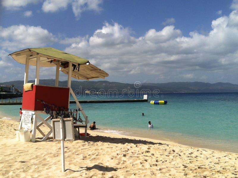 Пляж в Montego Bay, ямайке стоковое изображение