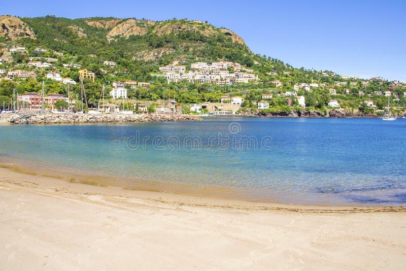 Пляж в sur Mer Theoule, Франции стоковое фото rf