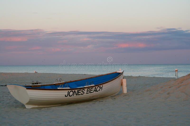 Пляж Джонса, Лонг-Айленд на заходе солнца стоковая фотография rf