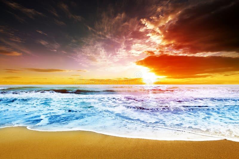 Пляж захода солнца стоковое изображение rf