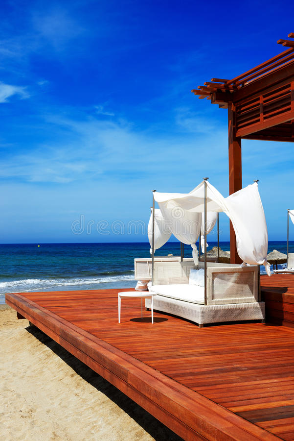 Пляж на роскошной гостинице стоковое изображение