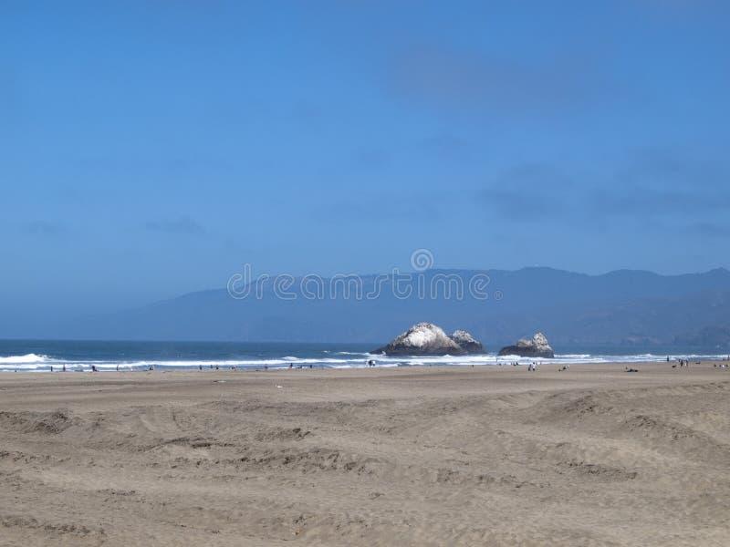 Пляж океана, Сан-Франциско, CA стоковые изображения