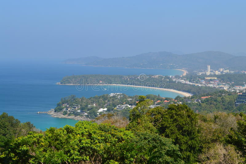 Download Пляж Таиланд Kata стоковое изображение. изображение насчитывающей солнце - 37931523
