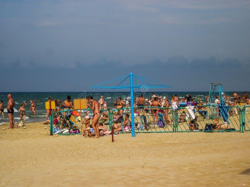Пляж Чёрного моря в зоне воссоздания русский город Anapa, зоны Краснодара стоковая фотография