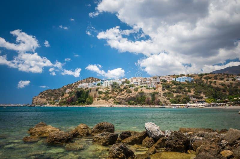 Пляж Agia Galini в острове Крита, Греции стоковые изображения rf