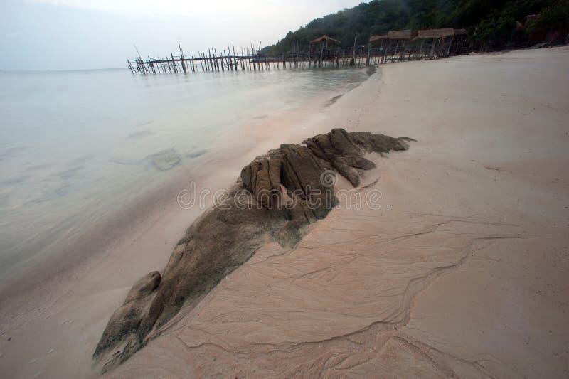 Пляж Ao Lungdam на острове Samet, Таиланде стоковые изображения rf