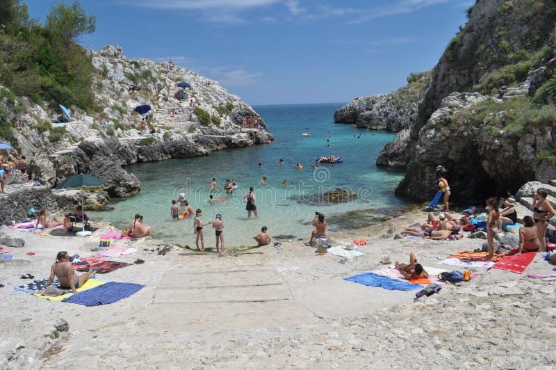Пляж Cala Acquaviva стоковое изображение