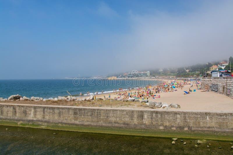 Пляж Caxias в Caxias, Португалии стоковые изображения