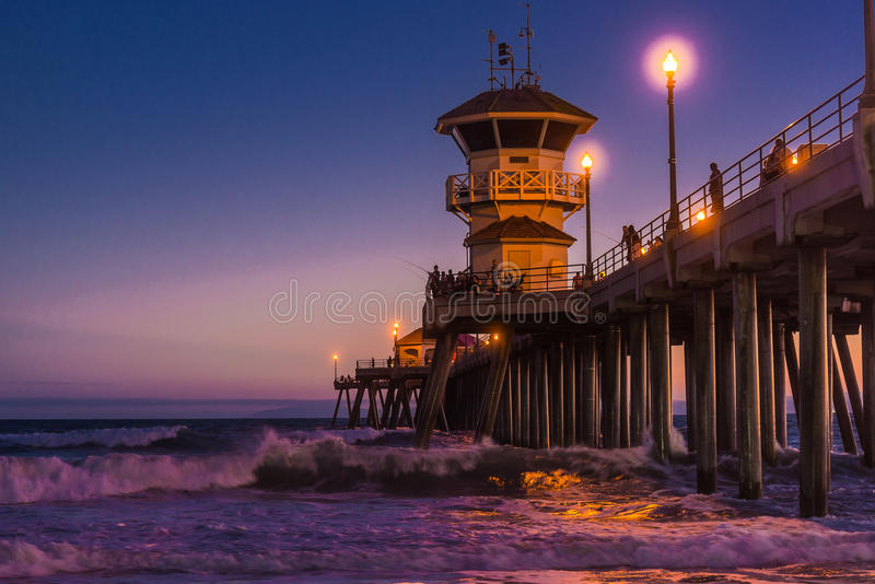 Пляж Huntington Beach на ноче стоковые изображения rf