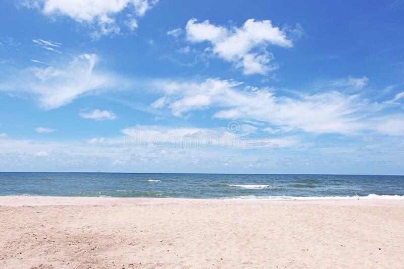 Пляж Mae Rumphung стоковое фото rf
