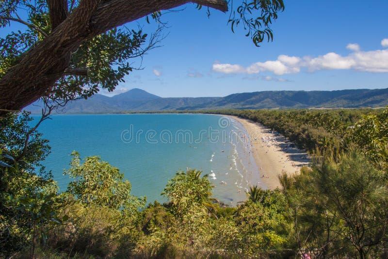 Пляж Port Douglas 4 миль стоковая фотография rf