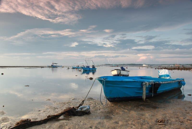 Пляж terbit Matahari стоковая фотография rf
