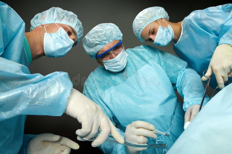работая хирурги стоковые изображения
