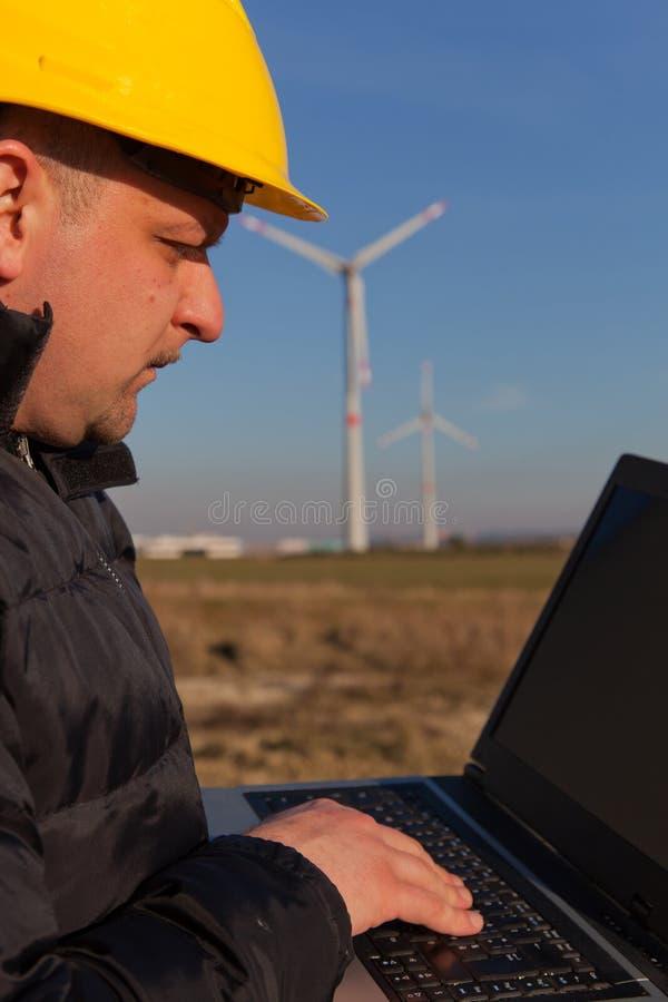 Download работа инженера стоковое фото. изображение насчитывающей генератор - 18393644