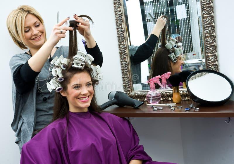 работа стилизатора волос стоковое изображение rf