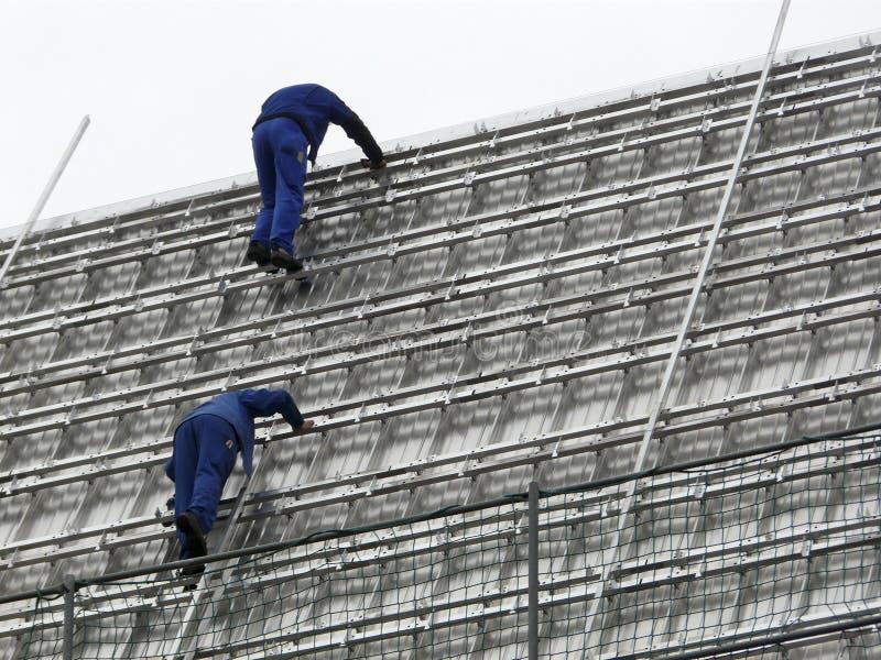 работа roofers стоковые изображения