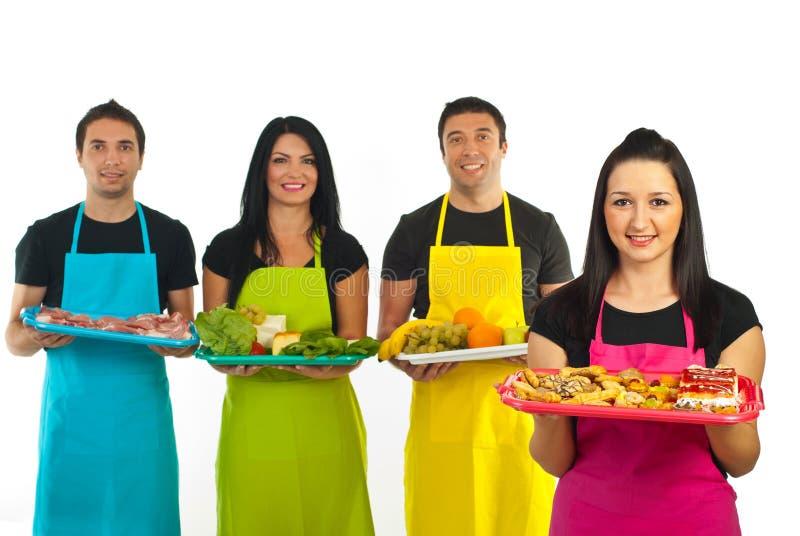 работники женщины команды рынка confectioner стоковые фотографии rf