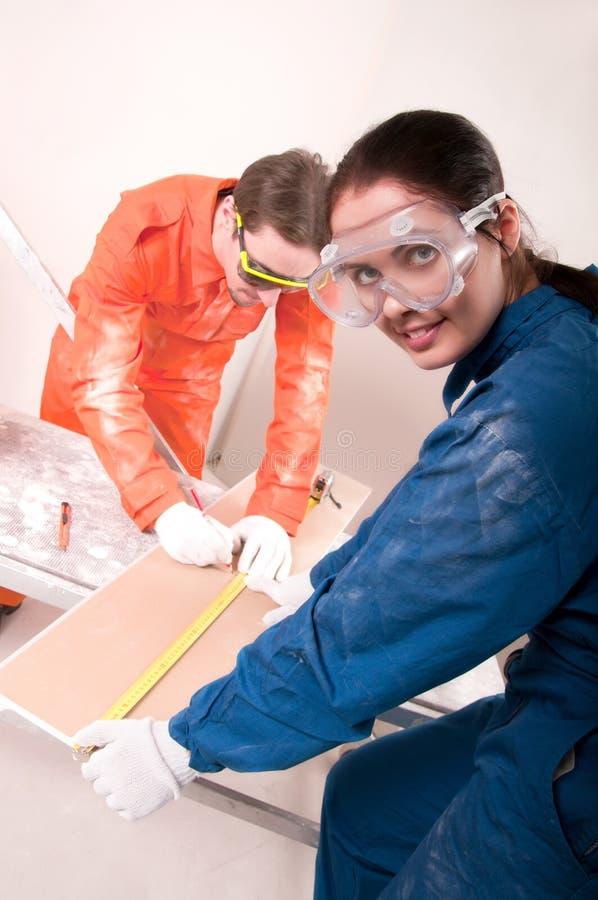 работники строительства стоковое изображение rf