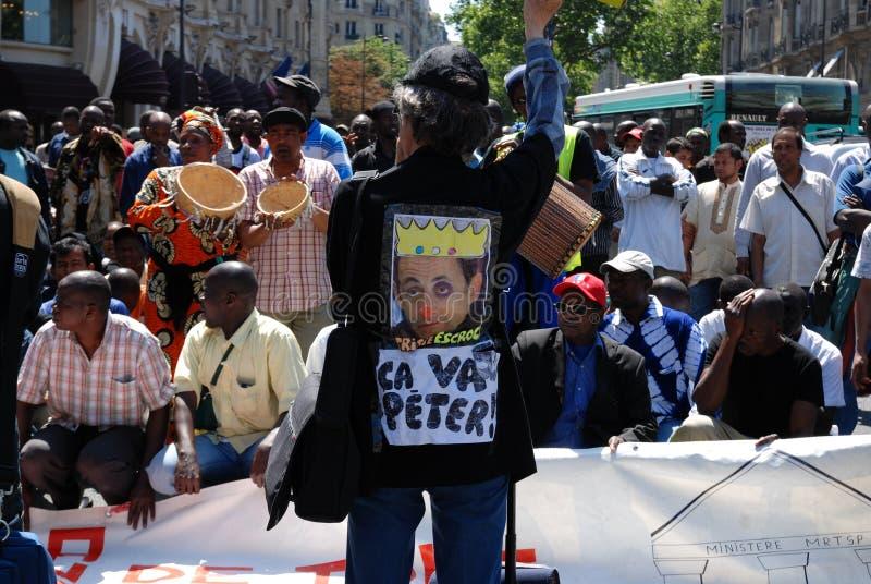 работники paris переселенца демонстрации стоковая фотография rf