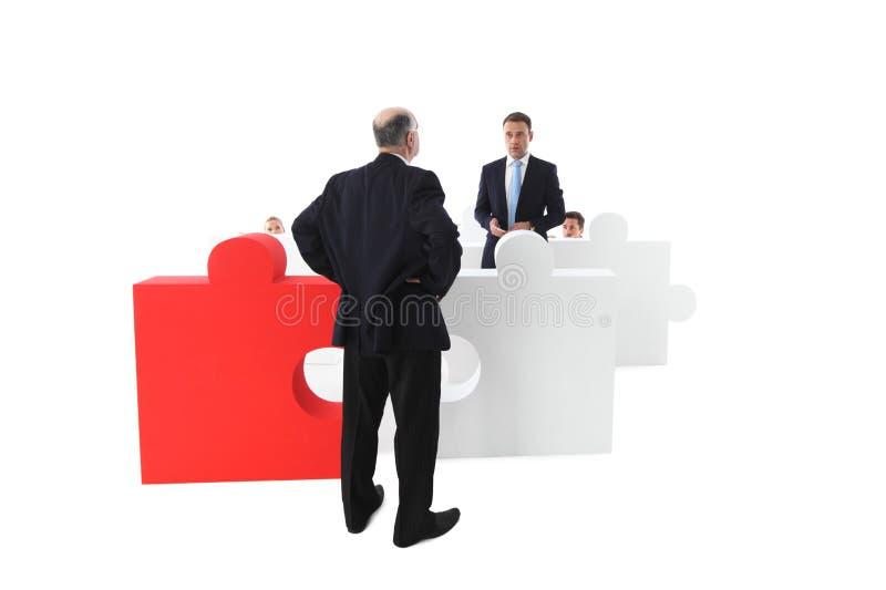 Работник извиняется к менеджеру стоковое изображение rf