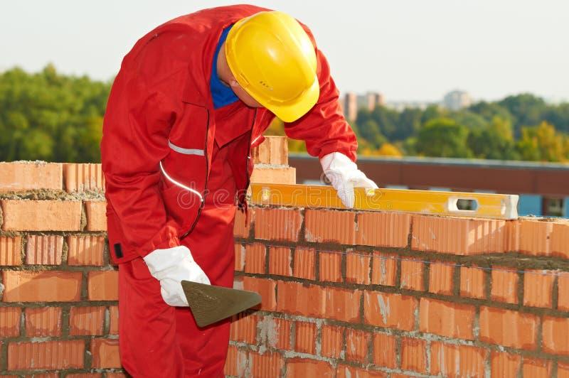 работник каменщика конструкции bricklayer стоковая фотография rf