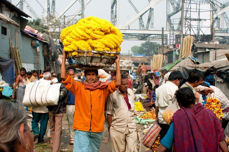 Работник рынка цветка стоковое изображение rf