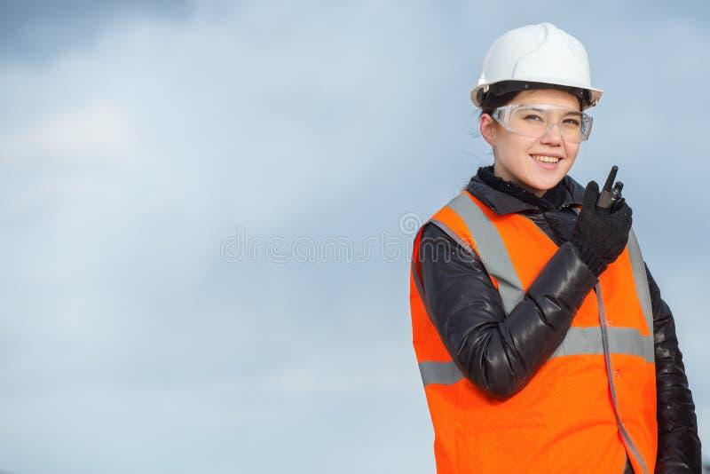 Работник с радио стоковые изображения
