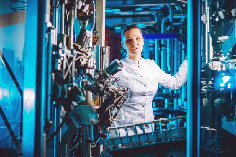 карточки-приглашения фото сотрудников фабрики ник сайте школы