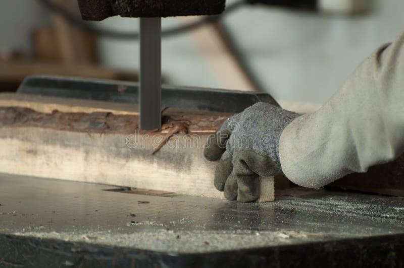 работник woodworking фабрики стоковые фотографии rf