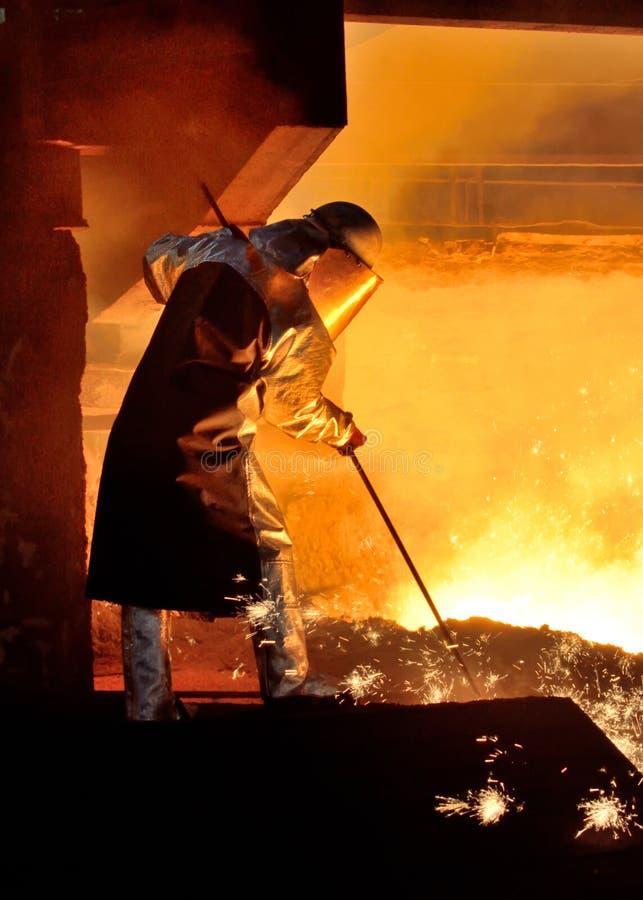 Рабочий сталелитейной промышленности стоковые изображения
