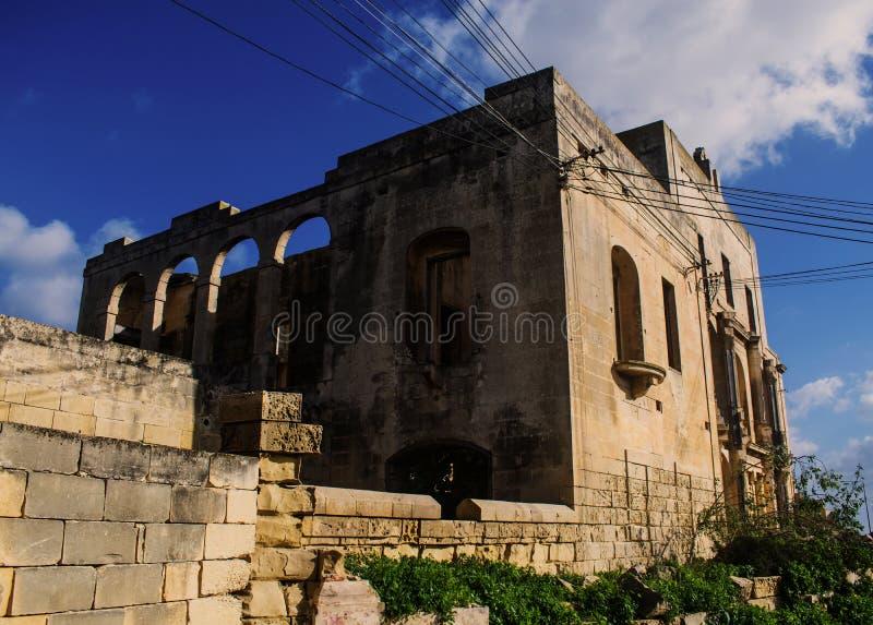 Равновеликий взгляд виллы в руинах стоковое фото rf