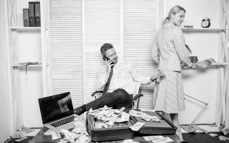 Равные права для работы и зарплаты образования Половая дискриминация в деловой жизни Женская дискриминация на рабочем месте стоковое изображение
